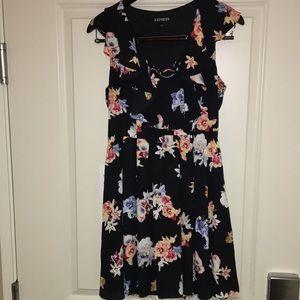 Express Flowery dress Size 6